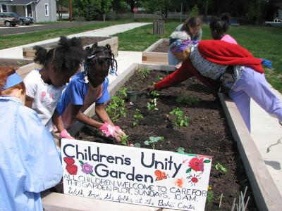 20080518_childrens_unity_garden_37.JPG