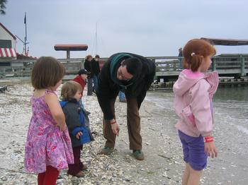 20060220_hilton_head_lighthouse_17.JPG