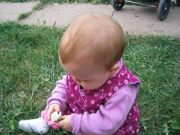 20051017_front_yard_with_teresa_09.JPG